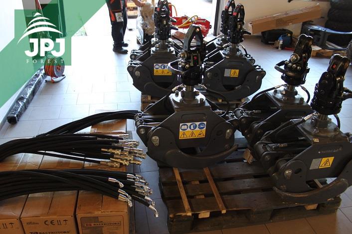Hydraulické rotátory Baltrotors a lesníckedrapáky FARMA pre štátny podnik.